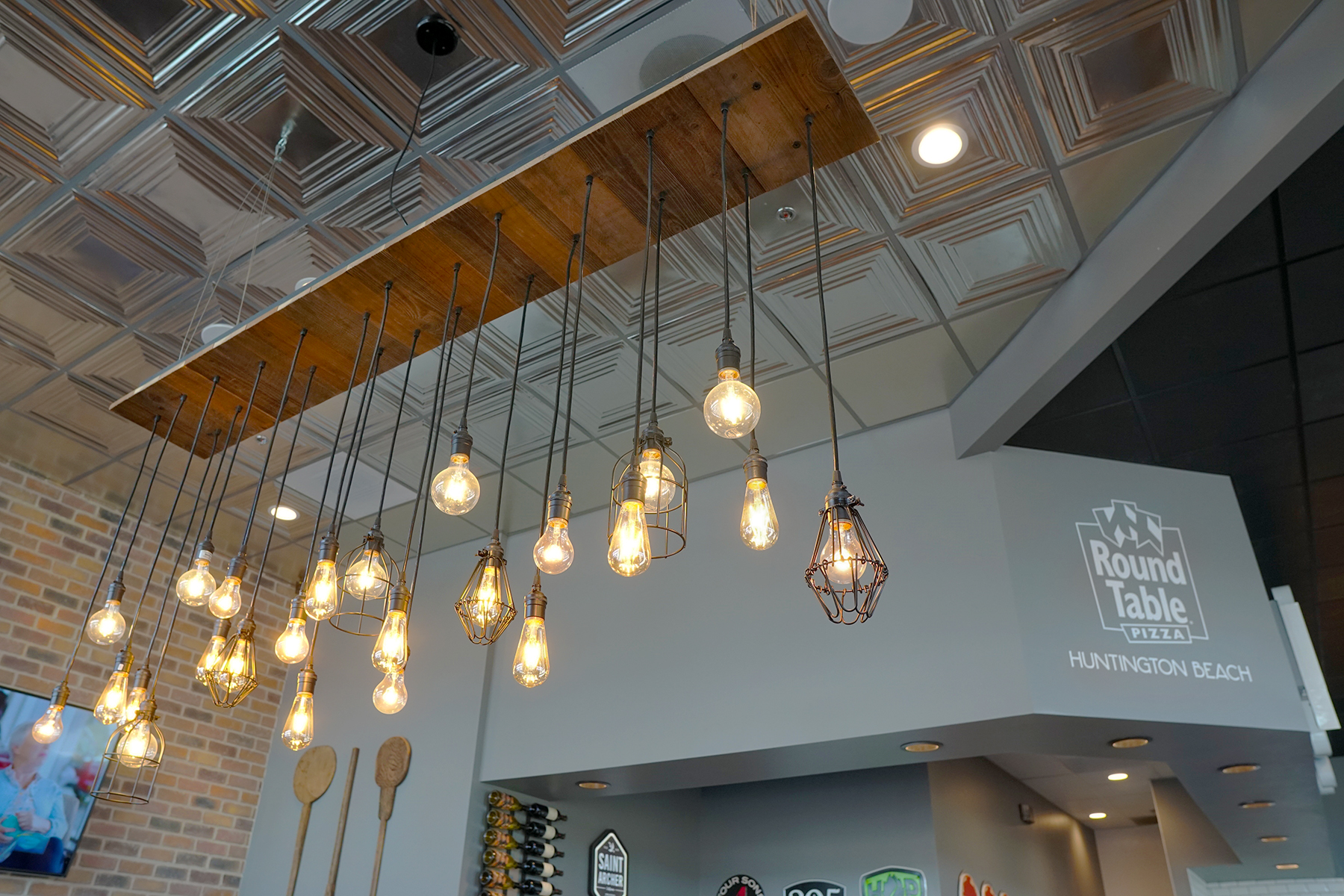 Reclaimed Wood Pendant Chandelier - Restaurant Lighting