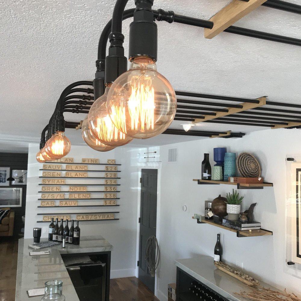 edison bulb pipe light